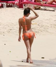 Zara Holland Sexy Booty
