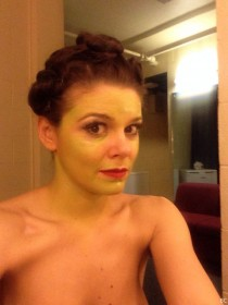 Faye Brookes Nude Photo
