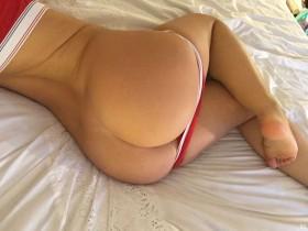Hannah Martin Sweet Booty