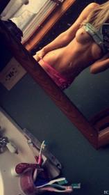 Valerie Pac Naked Selfie