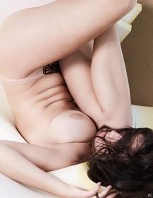 Hot Myla Dalbesio Topless