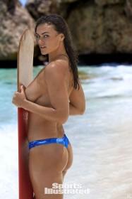 Hot Myla Dalbesio Topless pic