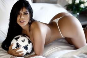 Hot Suzy Cortez Topless