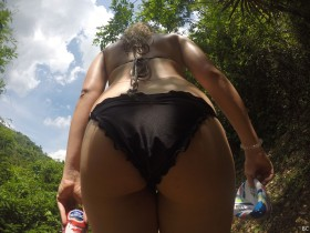 Margot Robbie Sexy Booty