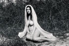 Myla Dalbesio Nude Photo