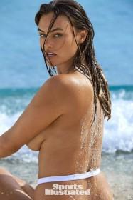 Myla Dalbesio Topless Photo