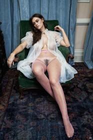 Sexy Myla Dalbesio Nude