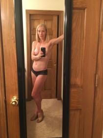 Chelsea Teel Topless Leaked Photo