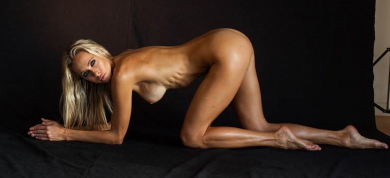 Jesse Golden Nude (25 Photos)