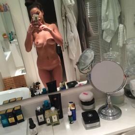 Roxie Nafousi Naked in mirror
