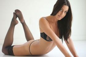 Amanda Kimmel Sexy Pose
