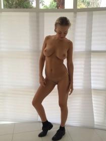 Lara Bingle Nude Leaked Photos