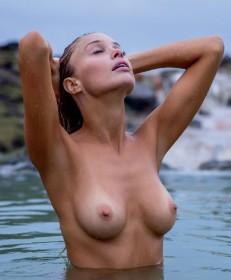 Sexy Allie Leggett Naked Photos