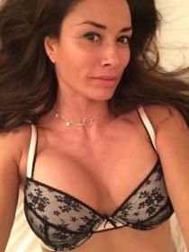 Sexy Melanie Sykes Selfie