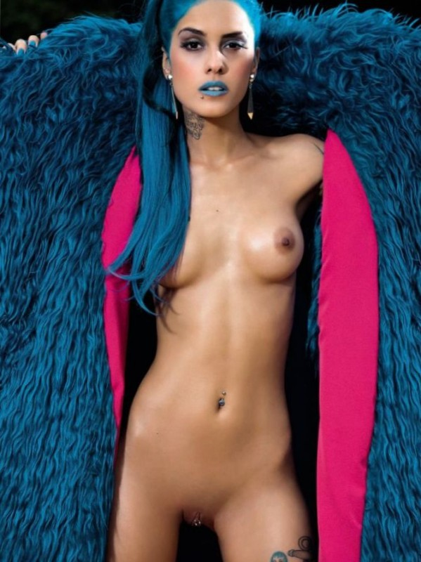 Sexy Tati Zaqui Nude Photo
