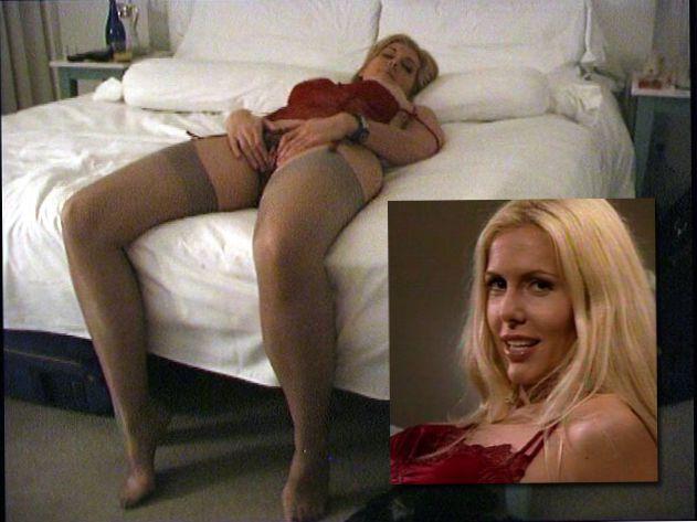 Hot selfy female nude