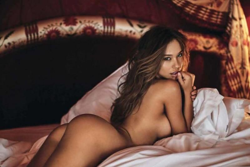 Alexis Ren Naked Sexy Body