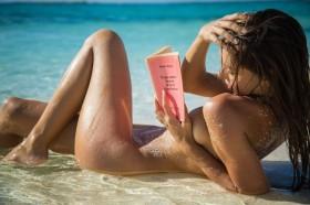 Alexis Ren Nude