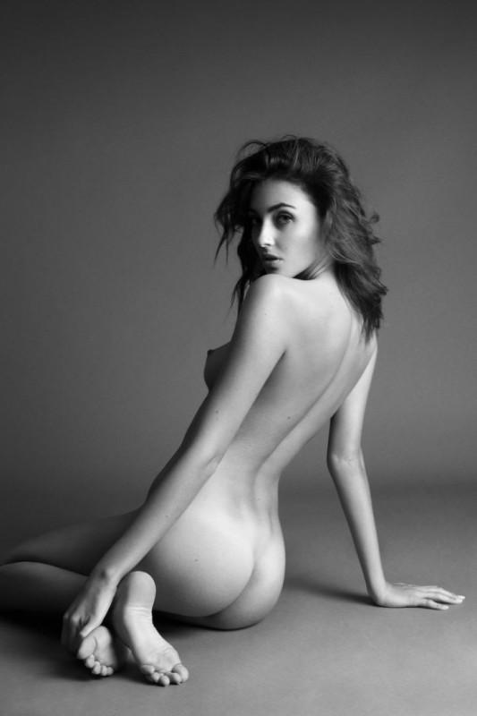 Erika Albonetti Nude HQ Photos