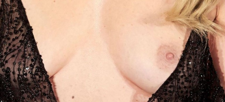 Adriana Abenia Nip Slip (14 Photos)