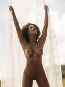 Hot Ivi Pizzott Naked