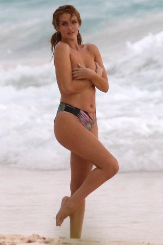 Hot Rosie Huntington-Whiteley Topless