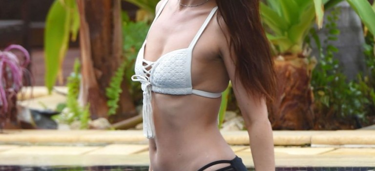 Jennifer Metcalfe in Bikini (10 Photos)
