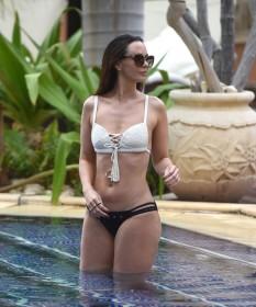 Jennifer Metcalfe sexy body photo