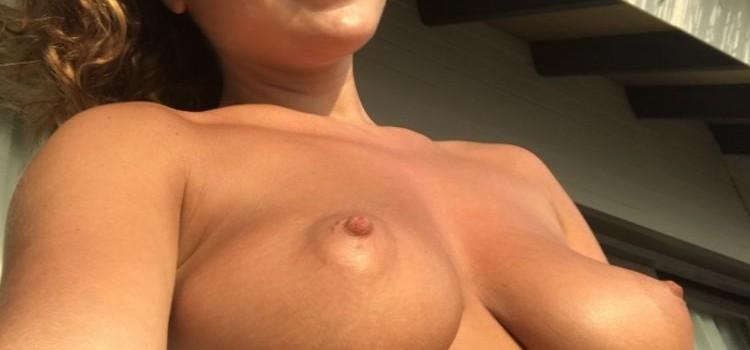 Kelly Hall Leaked (10 Photos)