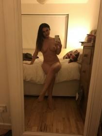 Sexy Kelly Hall Nude Leaked Selfie