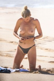 Sexy Kelly Rohrbach Topless
