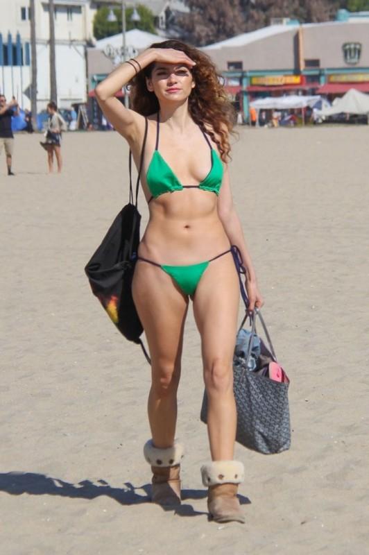 Blanca Blanco bikini body