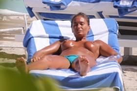 Eda Taşpinar Topless