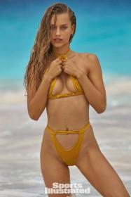 Hot Chase Carter in bikini