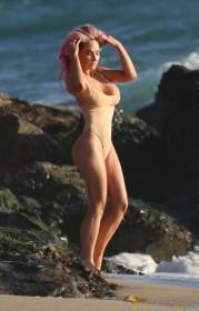 Hot Nikki Lund