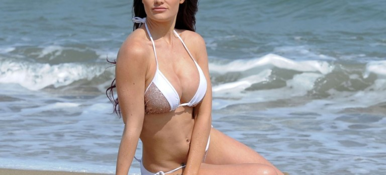 Jess Impiazzi in bikini (16 Photos)
