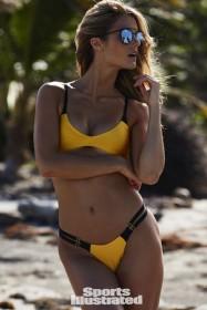Kate Bock in sexy bikini