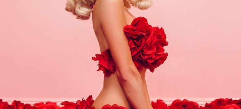 Paris Hilton Nude 2018 (2 Photos)