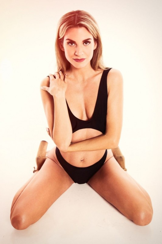 Rachel McCord Hot Photo