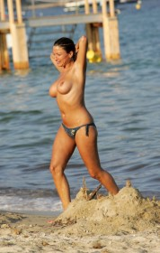 Rebecca Loos Topless Paparazzi Photo