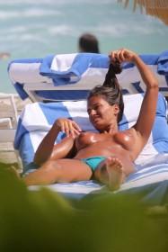 Sexy Eda Taşpinar Topless