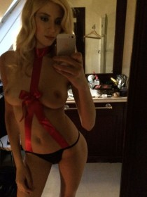 Adixia Topless Leaked Pic