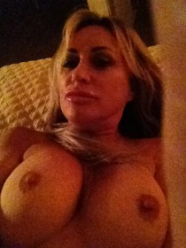 Carrie Michalka leaked icloud tits