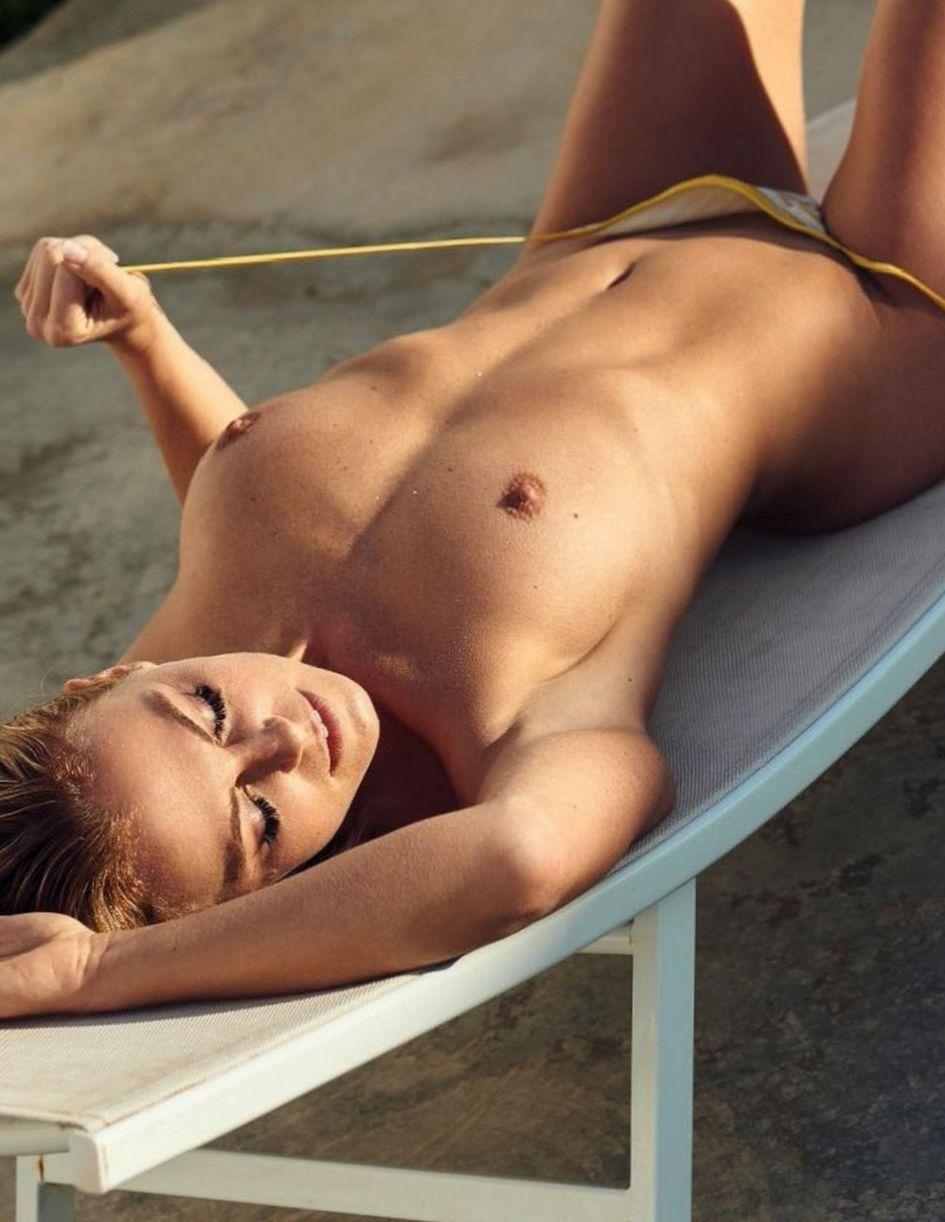 Nackt Jasmine nackt schwarz Verführerische Brünette