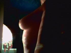 Leelee Sobieski tits photo