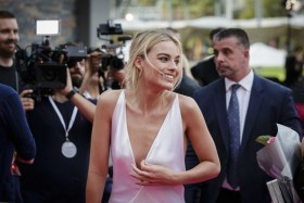 Margot Robbie in sexy dress