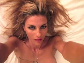 Martina Colombari topless