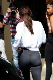 Selena Gomez in spandex pic