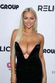 Sexy Lindsey Pelas shows her boobs