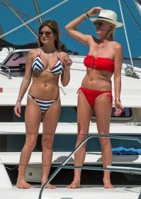 Sexy Zara Holland Bikini Candids